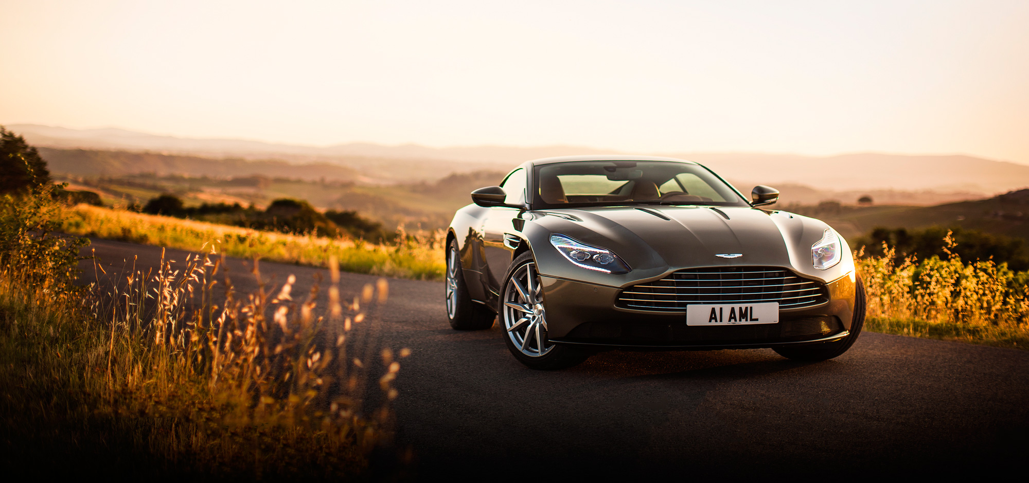Nice wallpapers Aston Martin 2000x939px