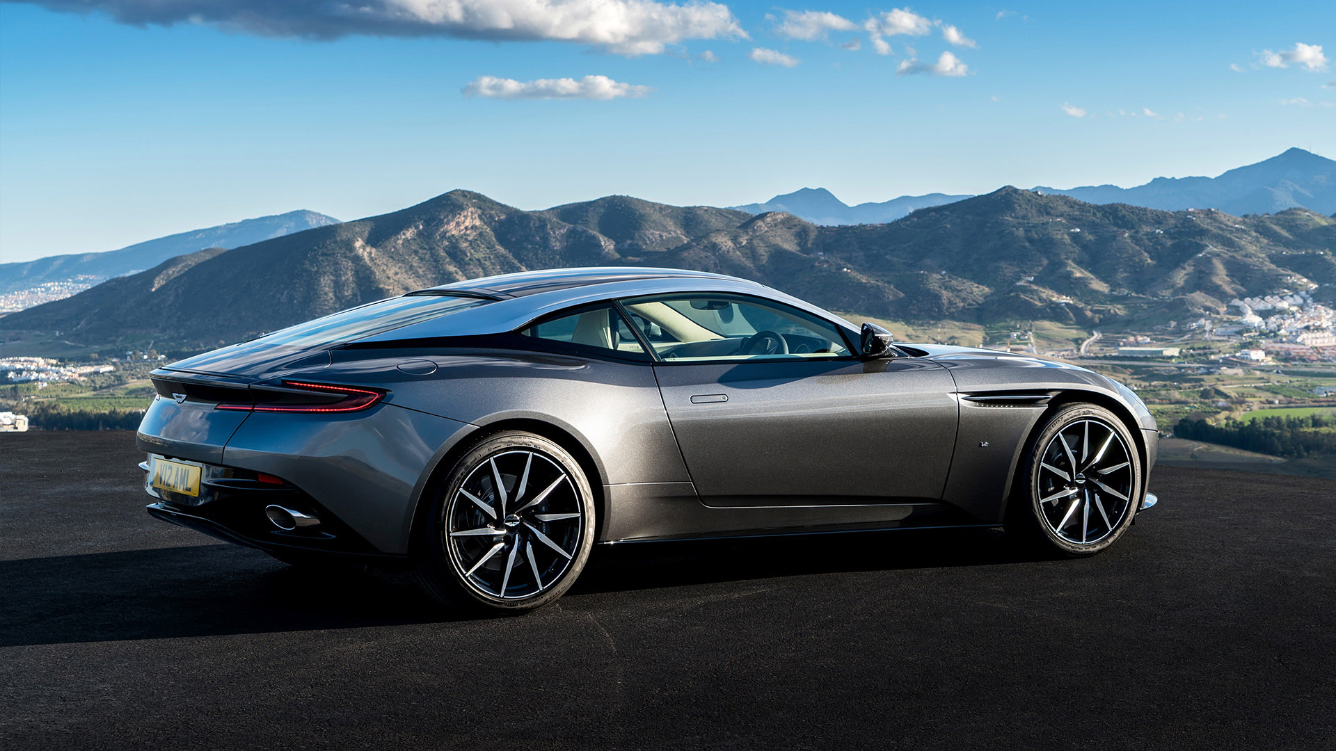 Amazing Aston Martin Pictures & Backgrounds