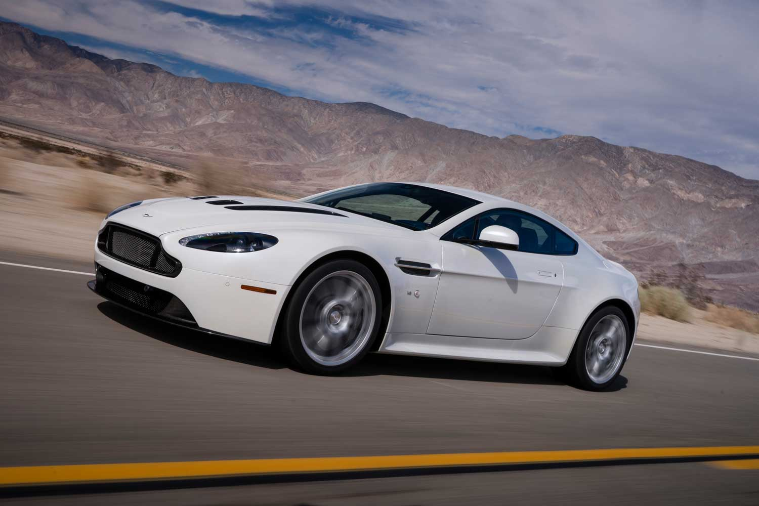 Nice wallpapers Aston Martin V12 Vantage 1500x1000px
