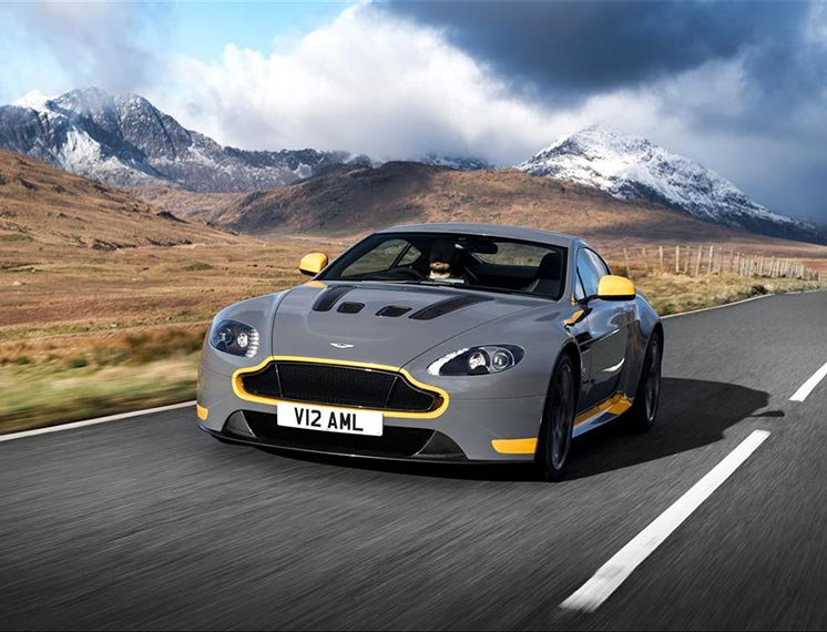 Aston Martin V12 Vantage Backgrounds on Wallpapers Vista