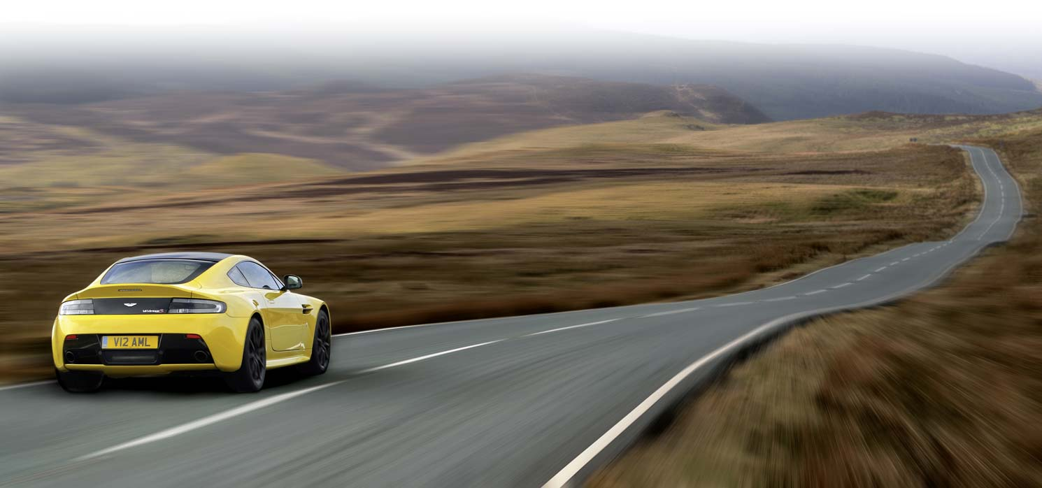 Images of Aston Martin V12 Vantage | 1490x698