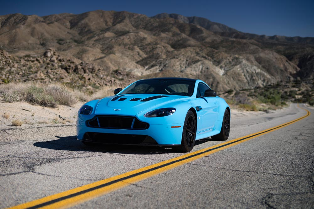 Images of Aston Martin V12 Vantage | 1000x667