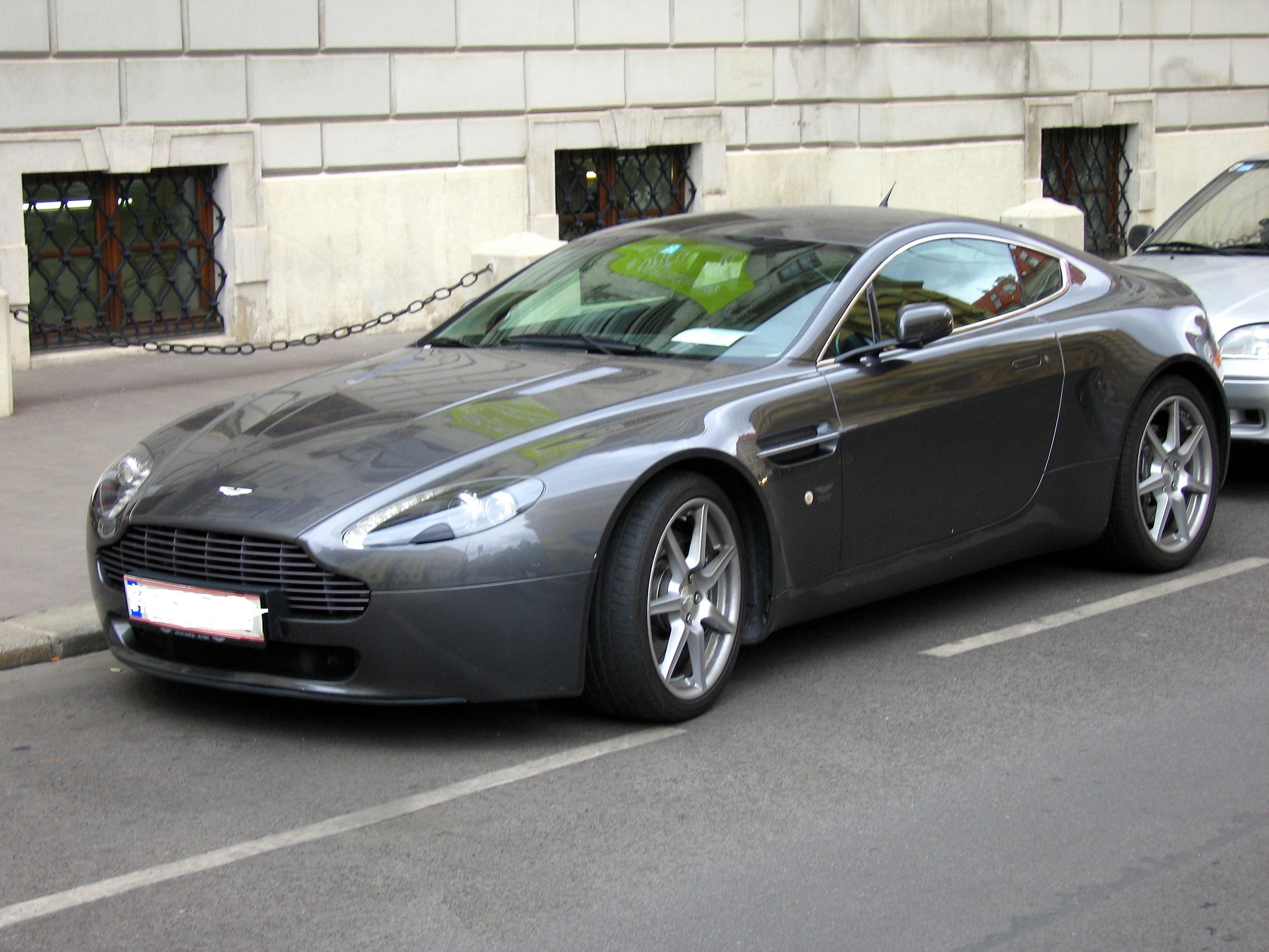 Nice wallpapers Aston Martin Vantage 3072x2304px