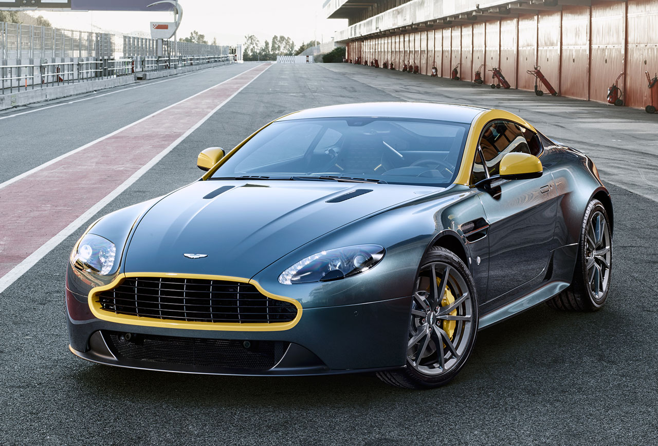 Amazing Aston Martin V8 Vantage Pictures & Backgrounds