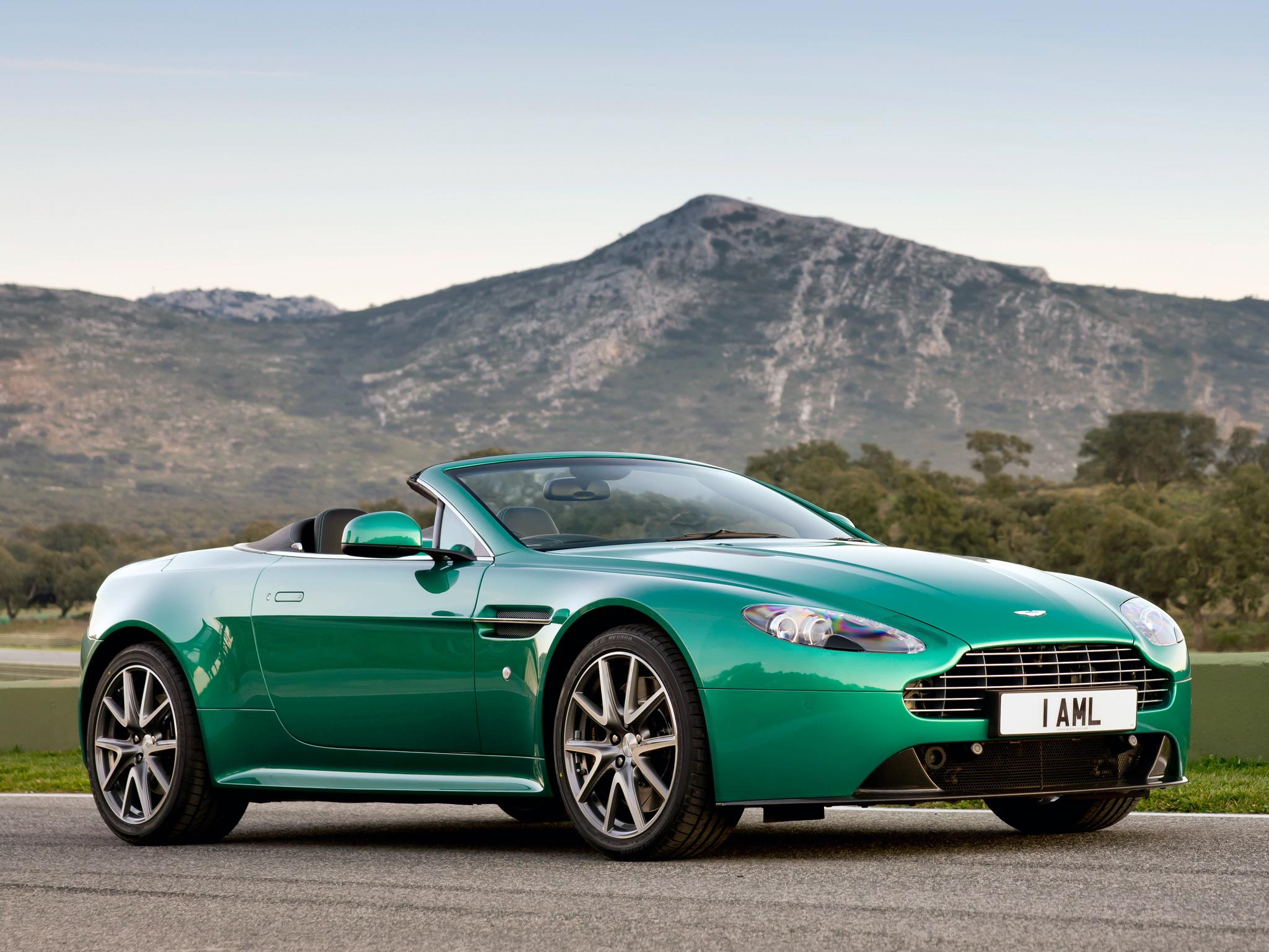 Aston Martin V8 Vantage S Roadster High Quality Background on Wallpapers Vista