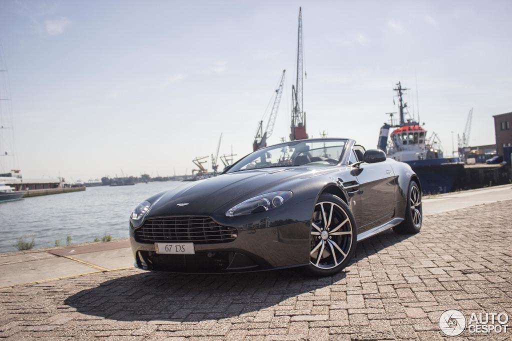 HQ Aston Martin V8 Vantage S Roadster Wallpapers | File 150.37Kb