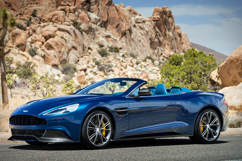 Nice Images Collection: Aston Martin Vanquish Volante Desktop Wallpapers