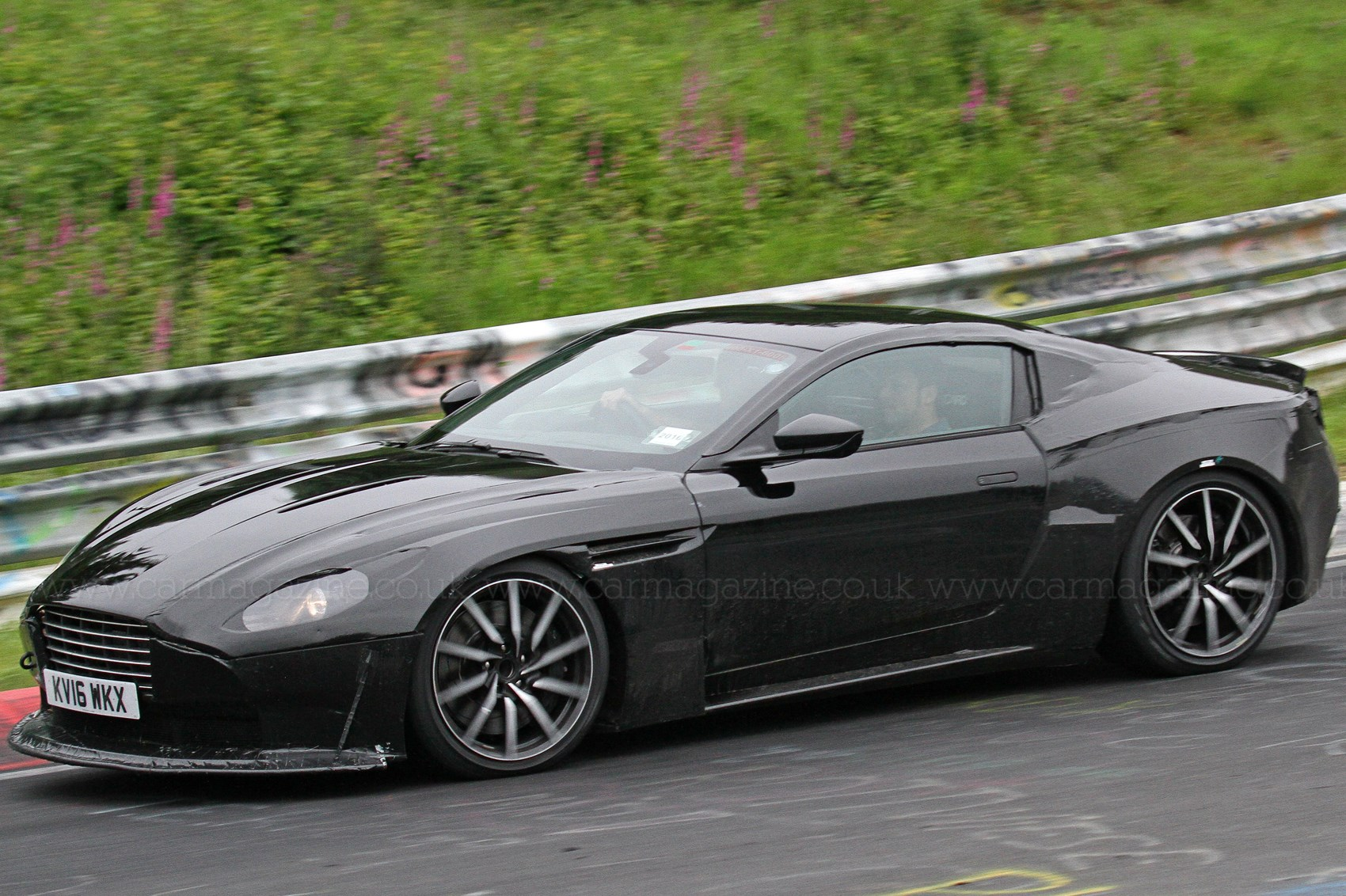 Aston Martin Vantage Backgrounds on Wallpapers Vista