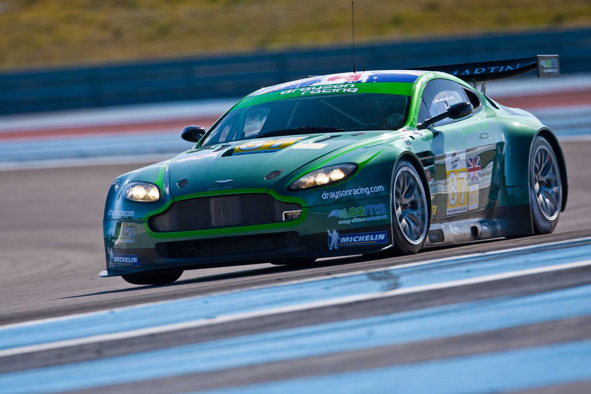 Aston Martin Vantage GT2 Pics, Vehicles Collection