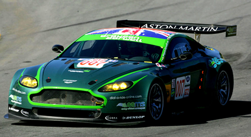 Amazing Aston Martin Vantage GT2 Pictures & Backgrounds