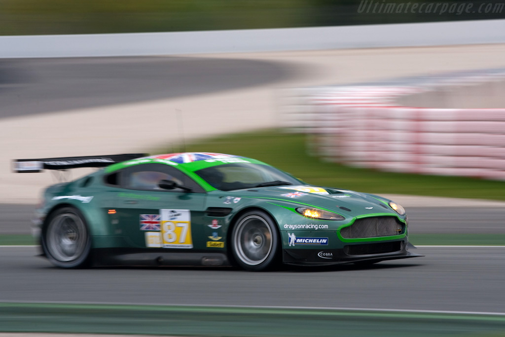 Aston Martin Vantage GT2 Backgrounds, Compatible - PC, Mobile, Gadgets| 1024x683 px