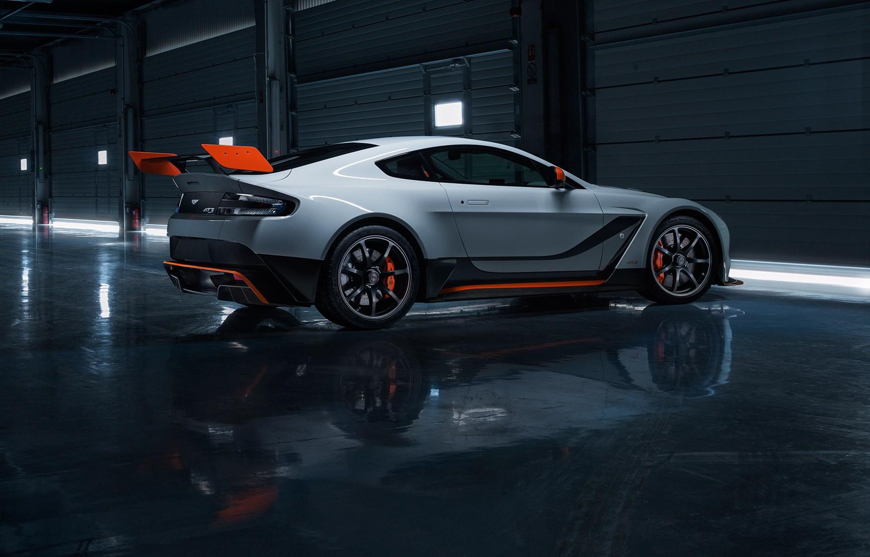 Images of Aston Martin Vantage GT3   1752x1122