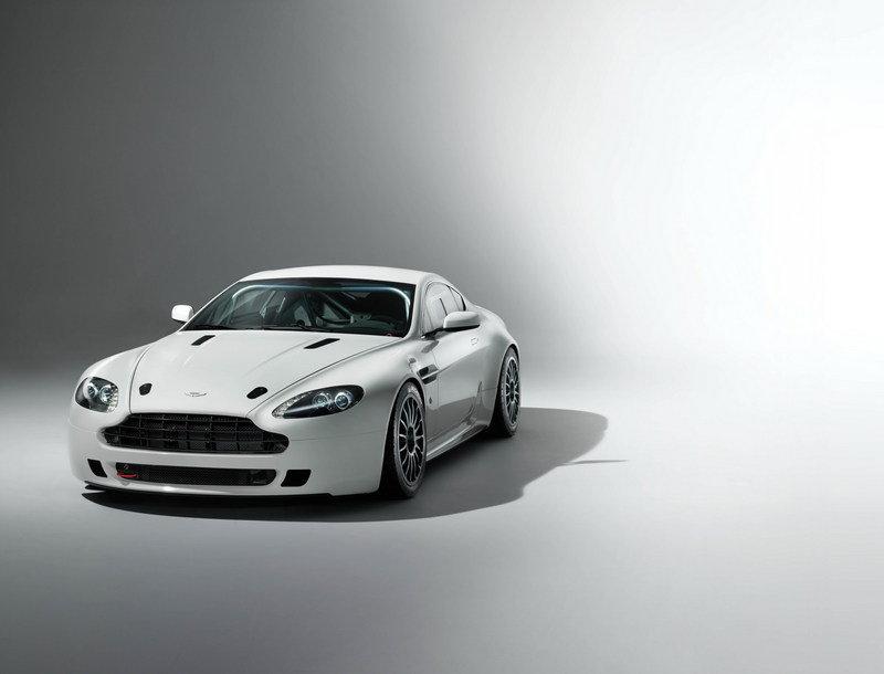HD Quality Wallpaper | Collection: Vehicles, 800x610 Aston Martin Vantage GT4