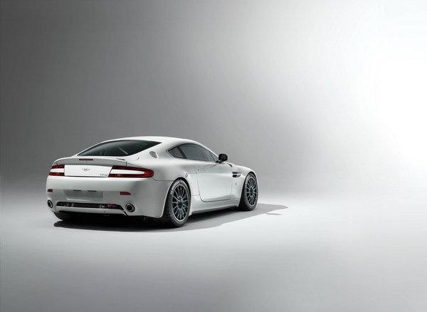 HD Quality Wallpaper | Collection: Vehicles, 600x438 Aston Martin Vantage GT4