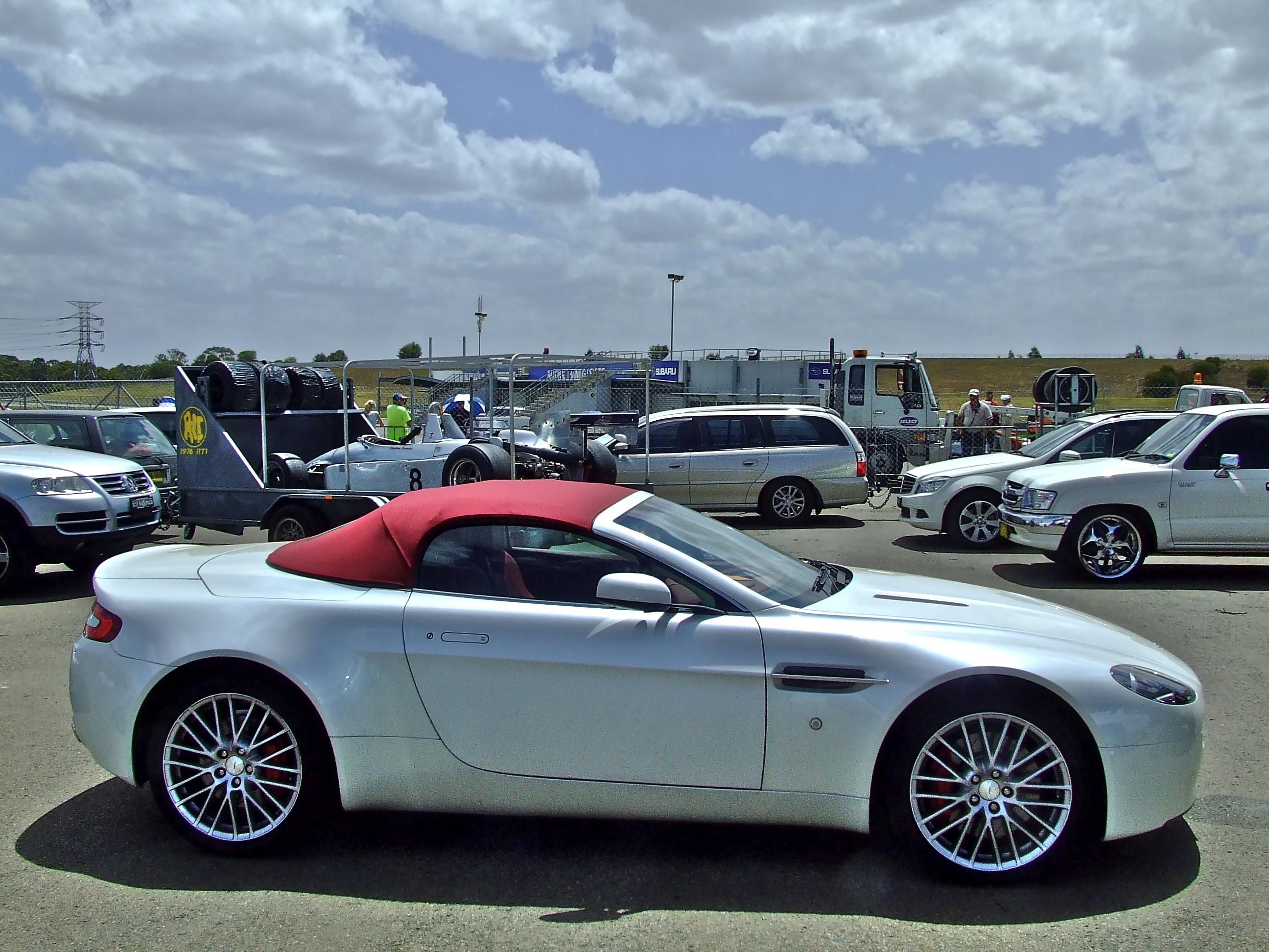 Aston Martin Vantage Roadster Backgrounds, Compatible - PC, Mobile, Gadgets  2592x1944 px