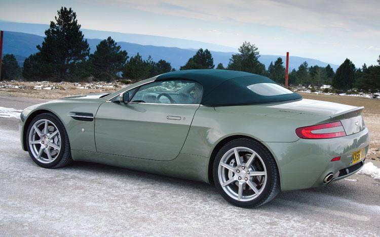 Aston Martin Vantage Roadster Backgrounds, Compatible - PC, Mobile, Gadgets  750x469 px