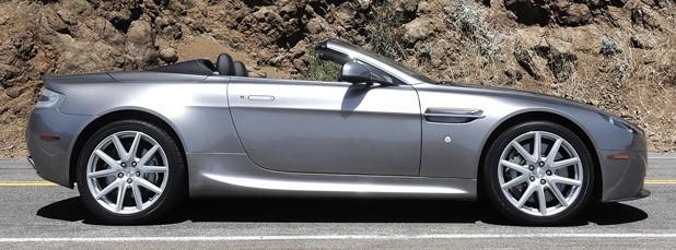 High Resolution Wallpaper   Aston Martin Vantage Roadster 618x229 px
