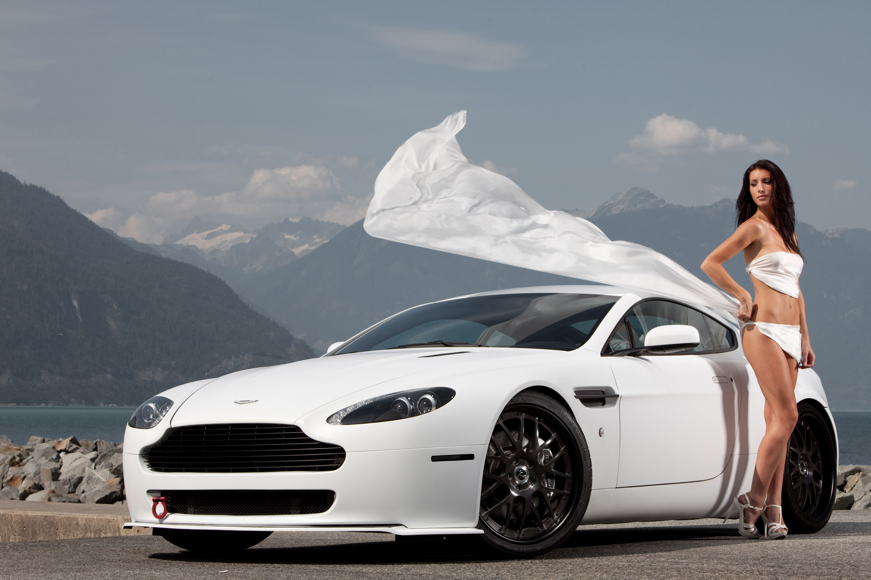 HQ Aston Martin Vantage Wallpapers | File 644.33Kb