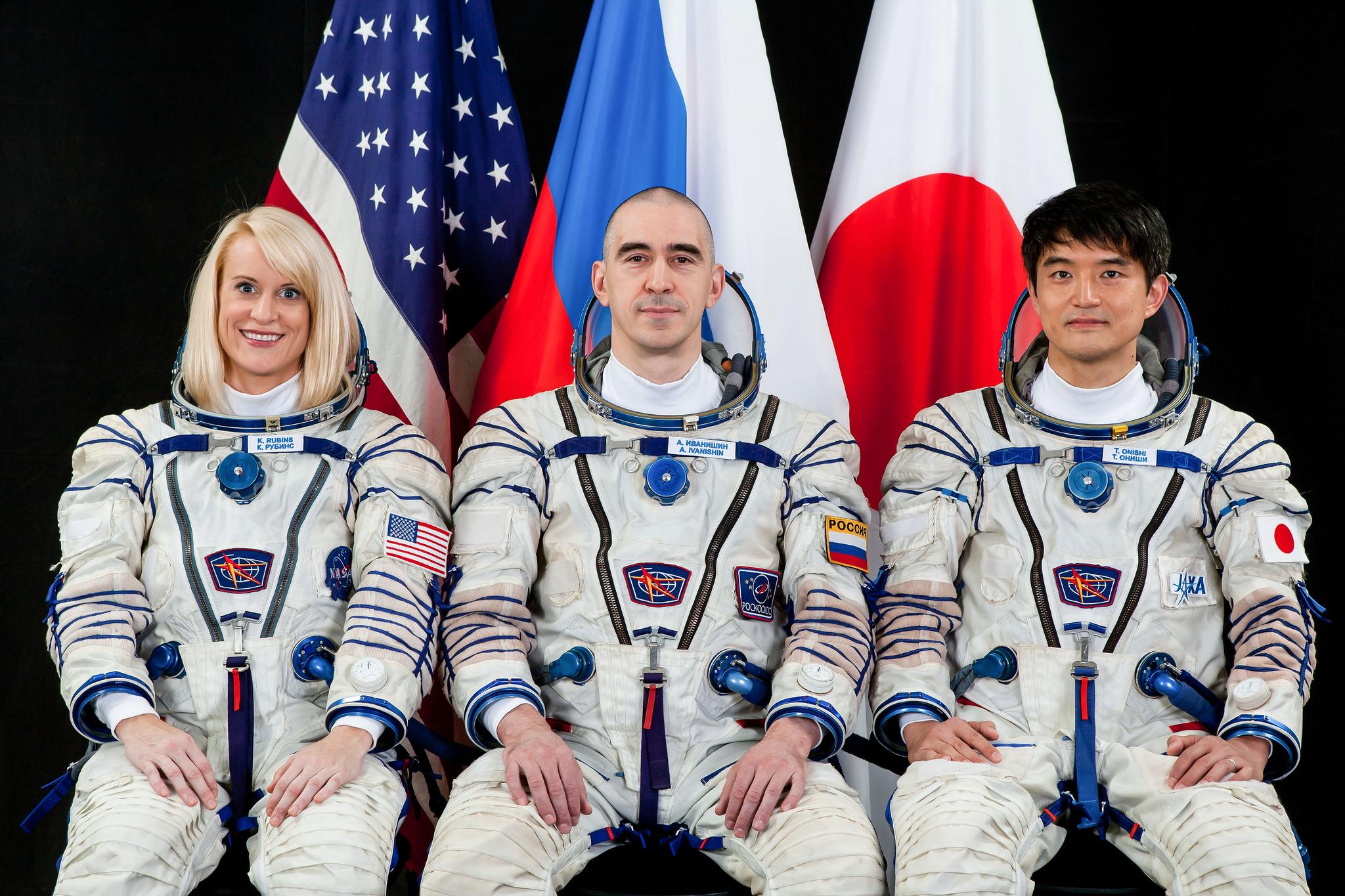 Astronaut Backgrounds, Compatible - PC, Mobile, Gadgets| 2048x1365 px