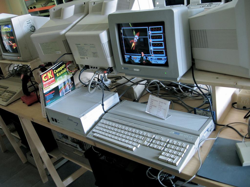 Images of Atari 1040ST | 1024x768