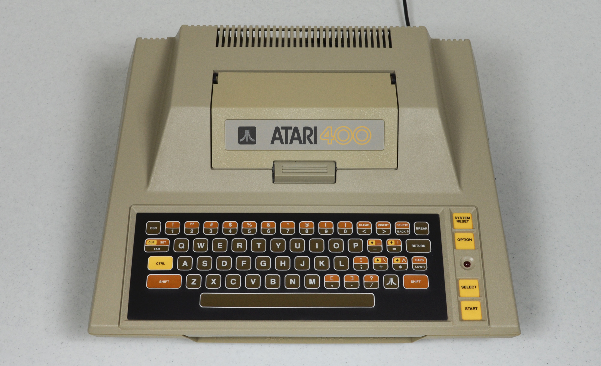 2000x1219 > Atari 400 Wallpapers