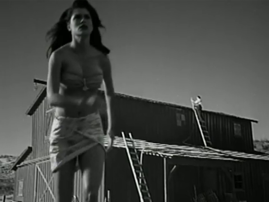 Nice Images Collection: Attack Of The 50 Foot Woman Desktop Wallpapers