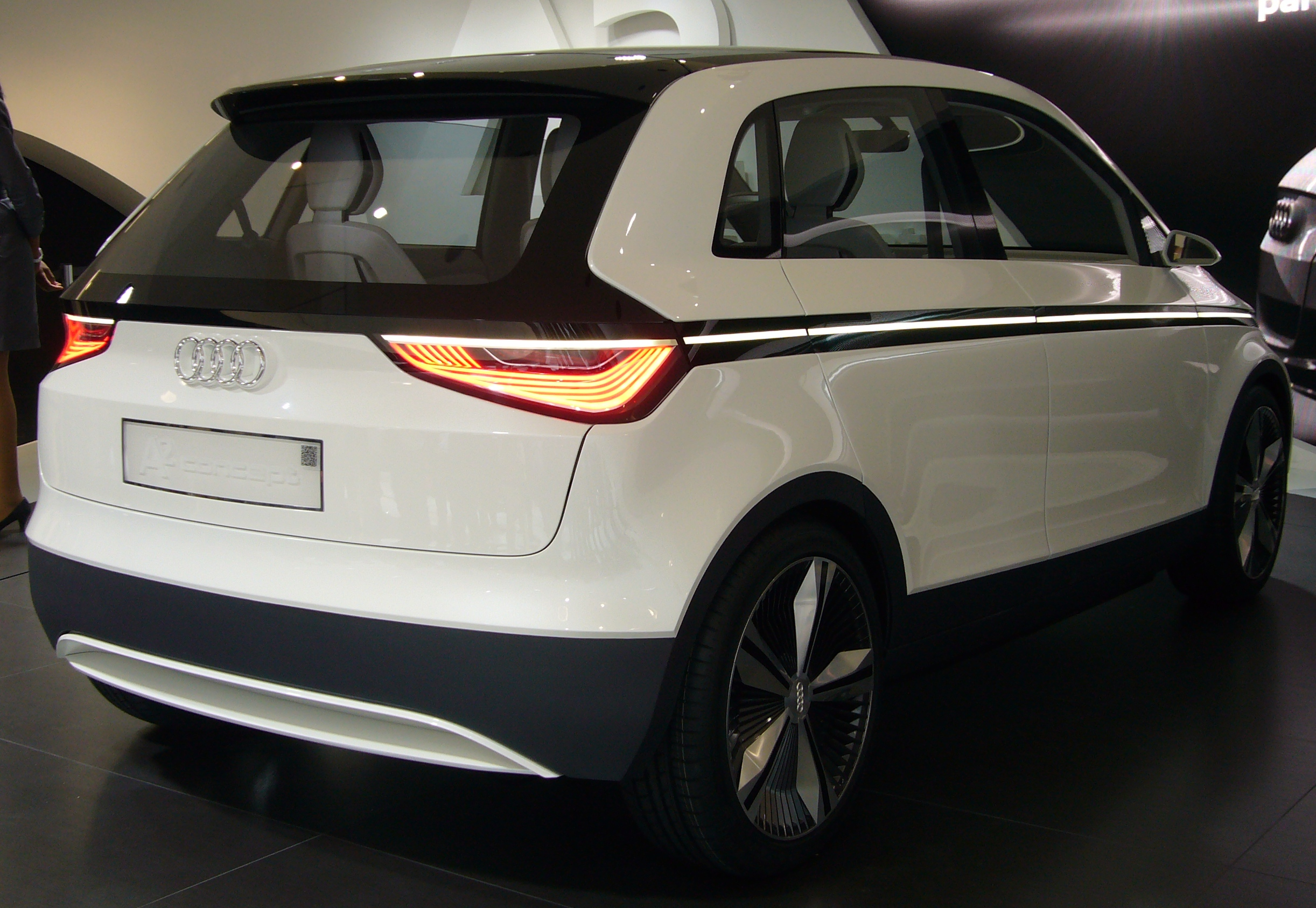 2444x1686 > Audi A2 Concept Wallpapers