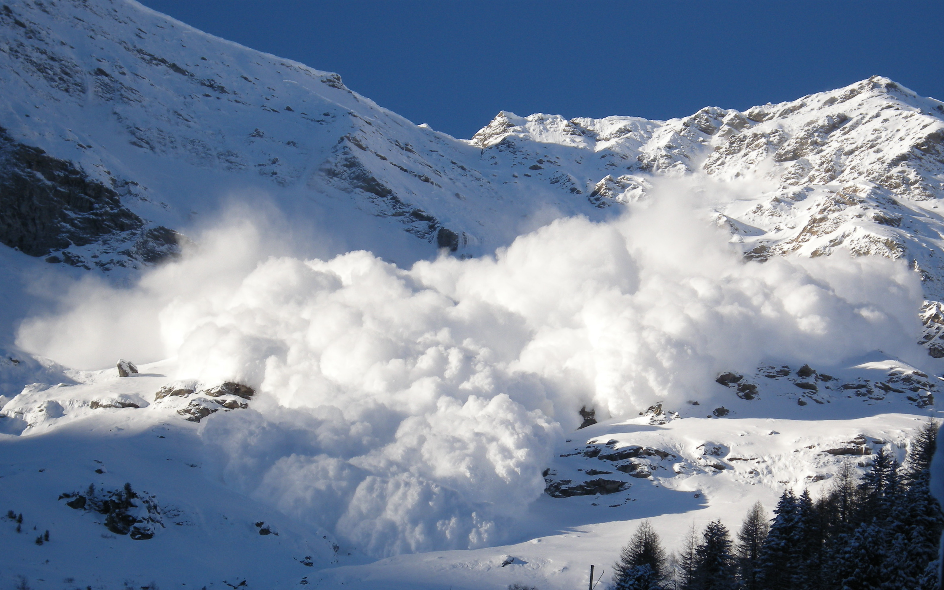 Avalanche Backgrounds on Wallpapers Vista