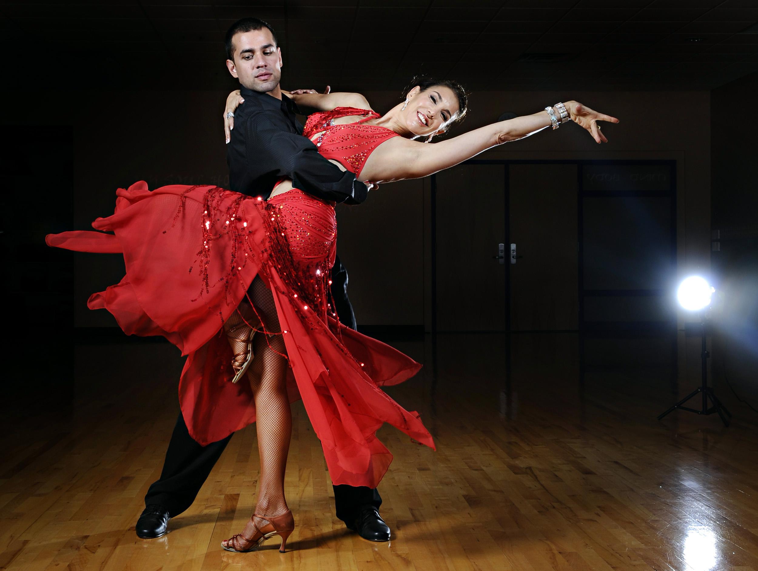 Amazing Ballroom Dancing Pictures & Backgrounds