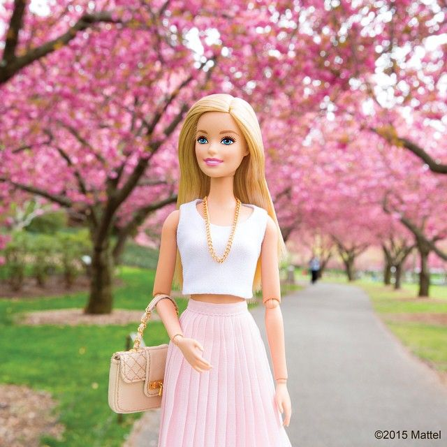 HD Quality Wallpaper | Collection: Cartoon, 640x640 Barbie