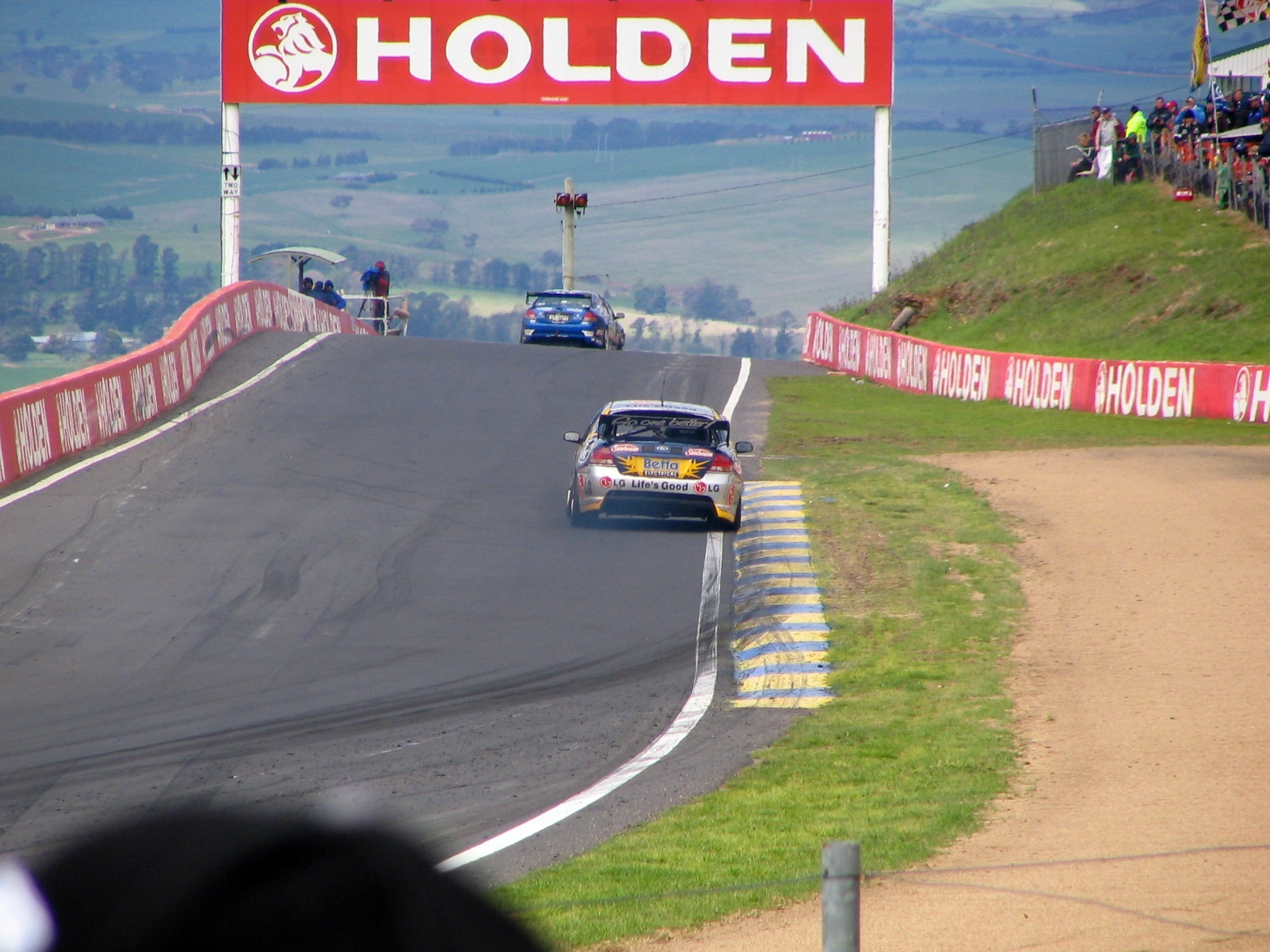 HQ Bathurst 1000 Wallpapers | File 1469.57Kb