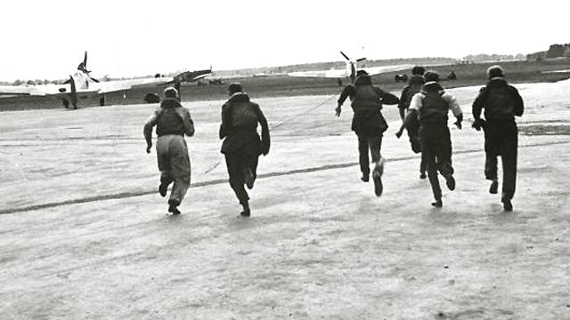 Battle Of Britain Backgrounds, Compatible - PC, Mobile, Gadgets| 640x360 px