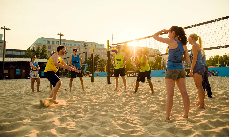 High Resolution Wallpaper | Beach Volleyball 2880x1728 px