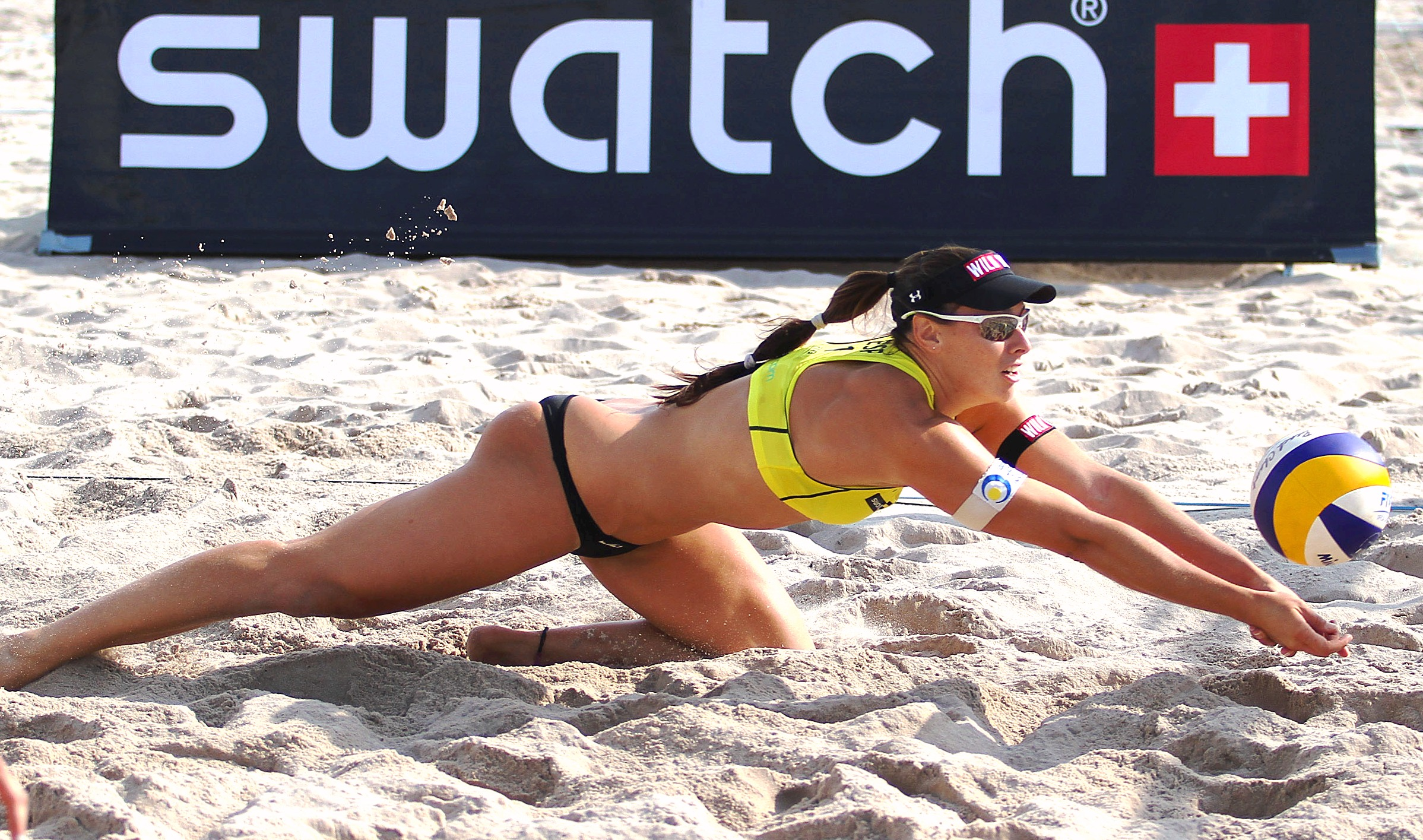 HD Quality Wallpaper | Collection: Sports, 2397x1415 Beach Volleyball