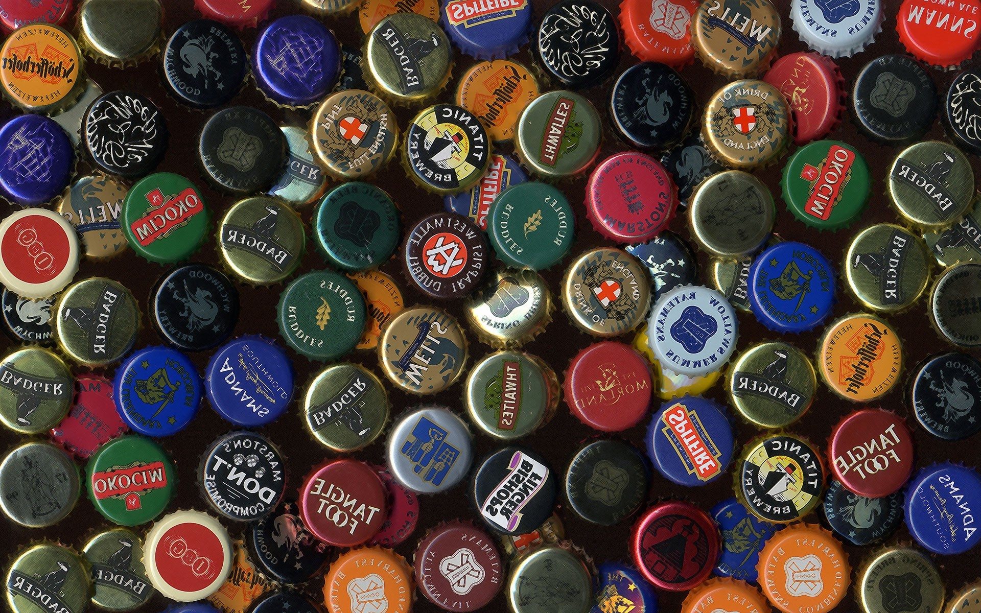 Beer Bottle Caps Backgrounds, Compatible - PC, Mobile, Gadgets| 1920x1200 px