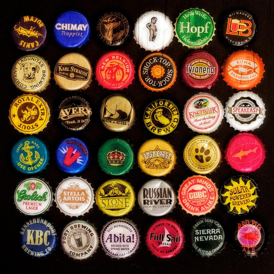 High Resolution Wallpaper | Beer Bottle Caps 900x900 px