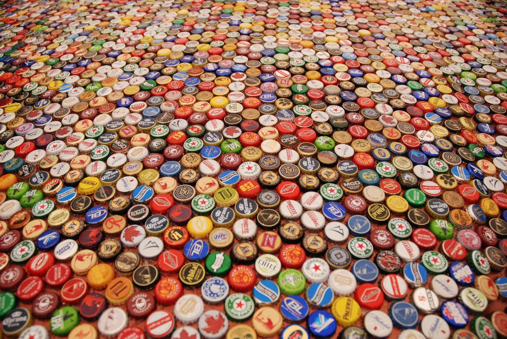 High Resolution Wallpaper | Beer Bottle Caps 1024x686 px