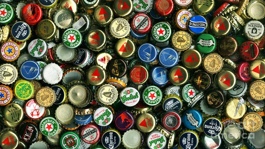 High Resolution Wallpaper | Beer Bottle Caps 900x506 px