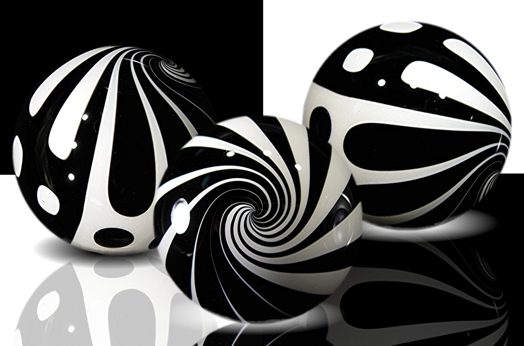 HQ Black & White Wallpapers | File 245.56Kb