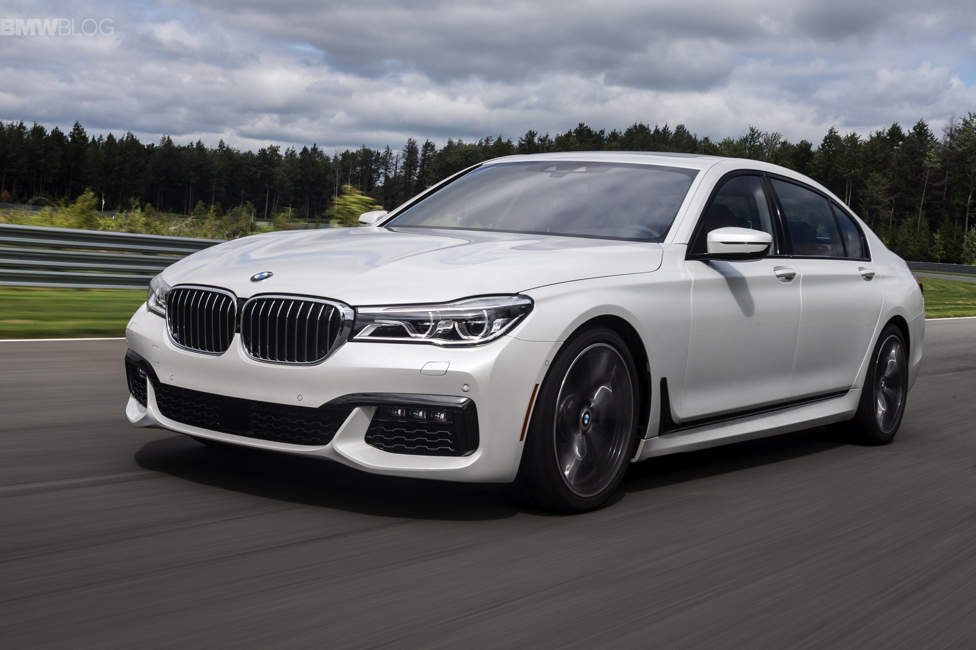 Bmw 7 Series Wallpapers Vehicles Hq Bmw 7 Series Pictures 4k Wallpapers 2019