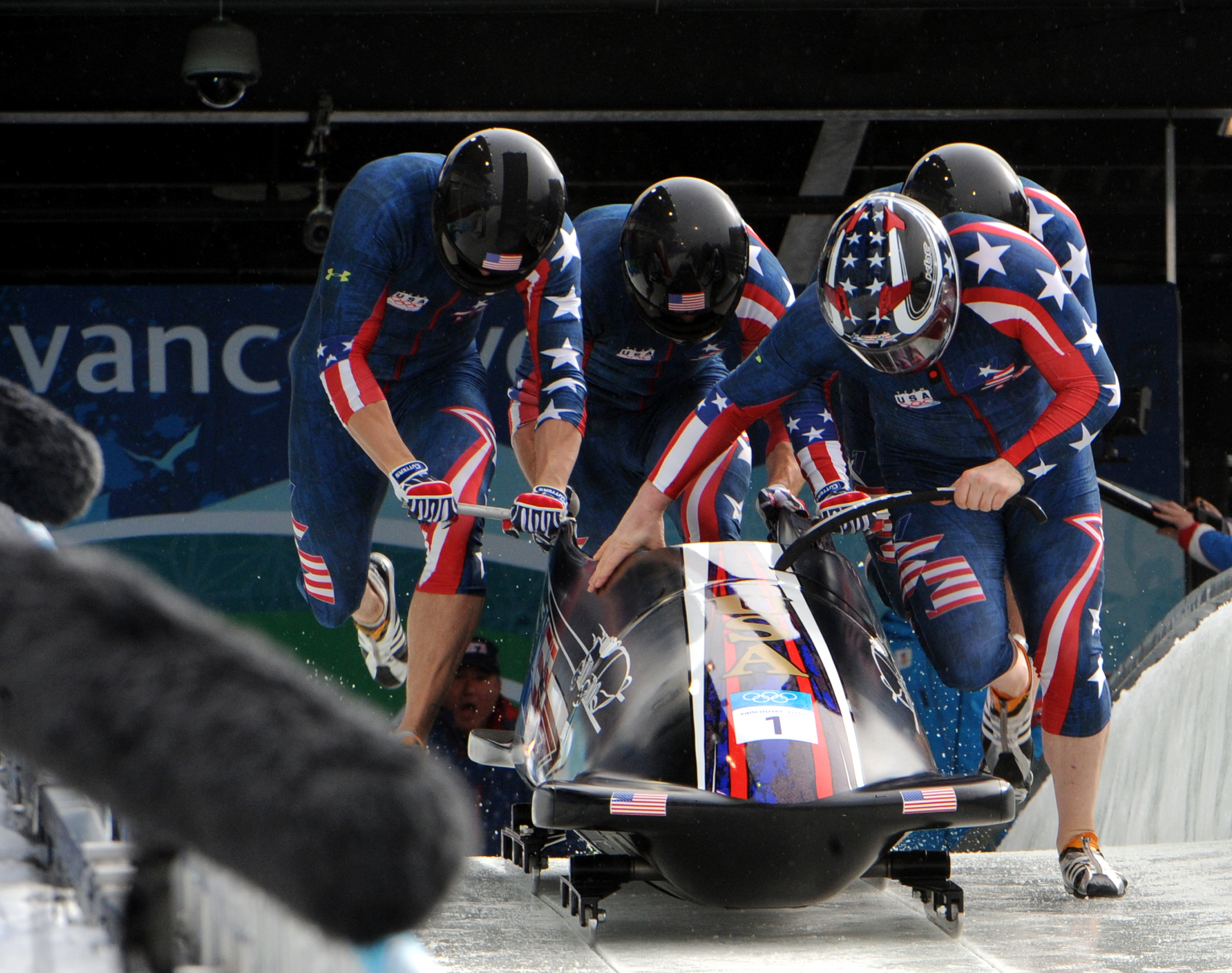 Nice wallpapers Bobsleigh 2400x1896px