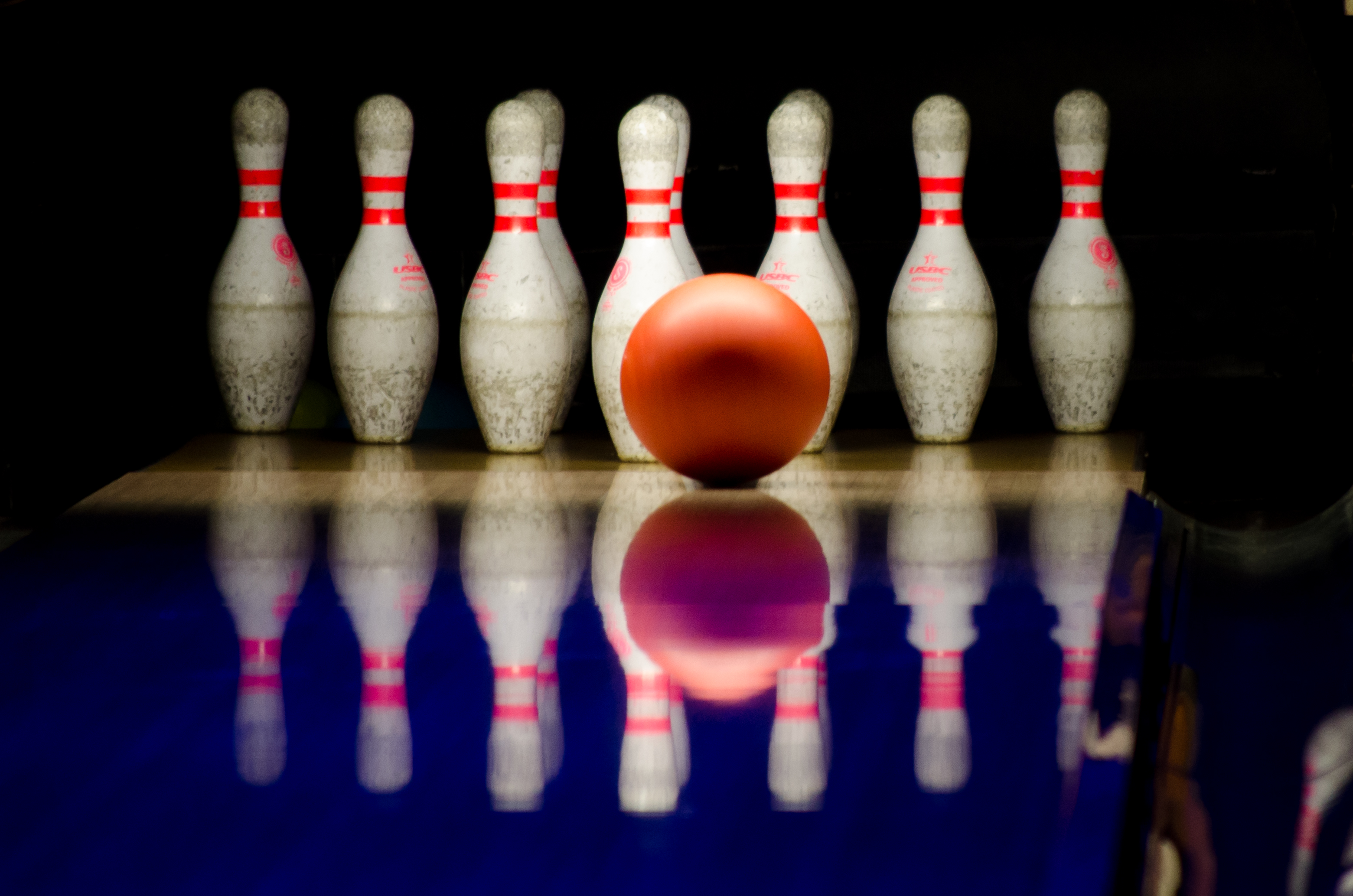 High Resolution Wallpaper | Bowling 3121x2067 px