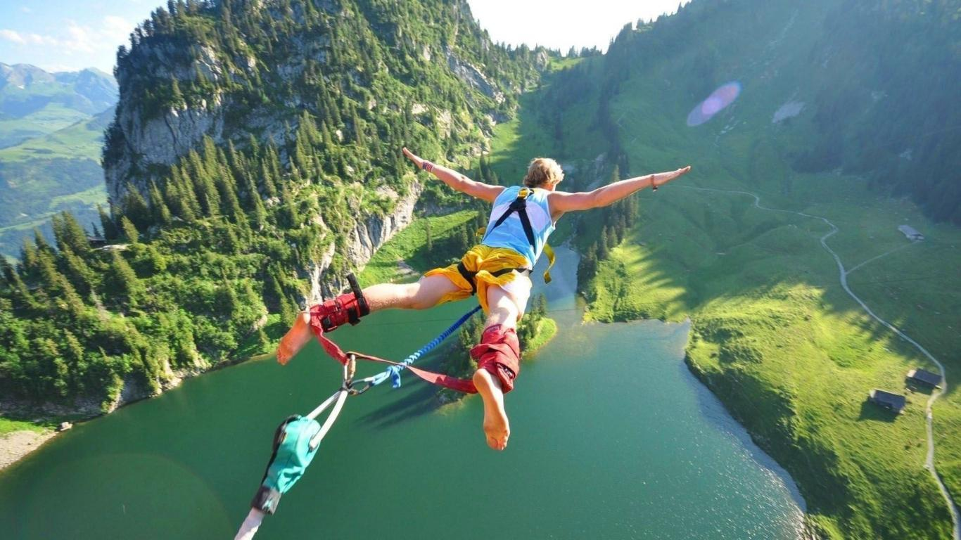 Nice Images Collection: Bungee Jump Desktop Wallpapers
