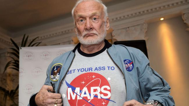 HQ Buzz Aldrin Wallpapers | File 32.76Kb