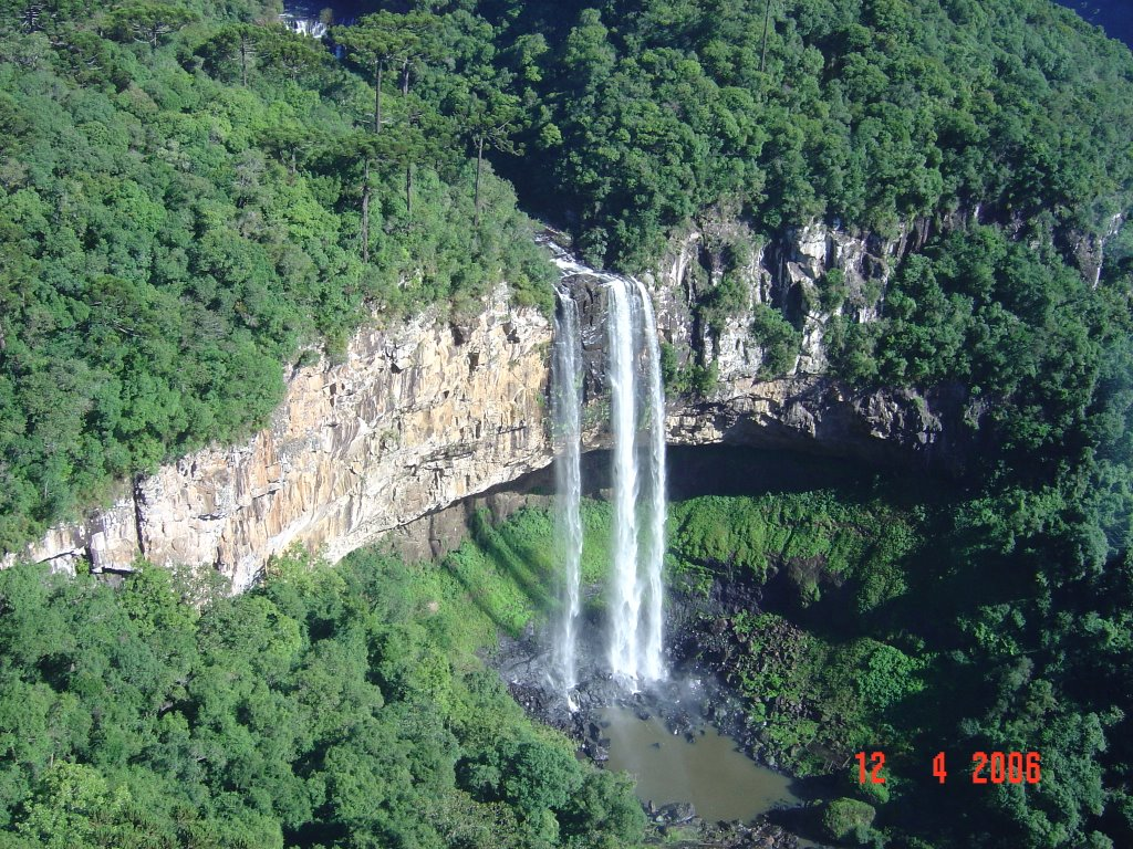 HQ Caracol Falls Wallpapers   File 295.44Kb