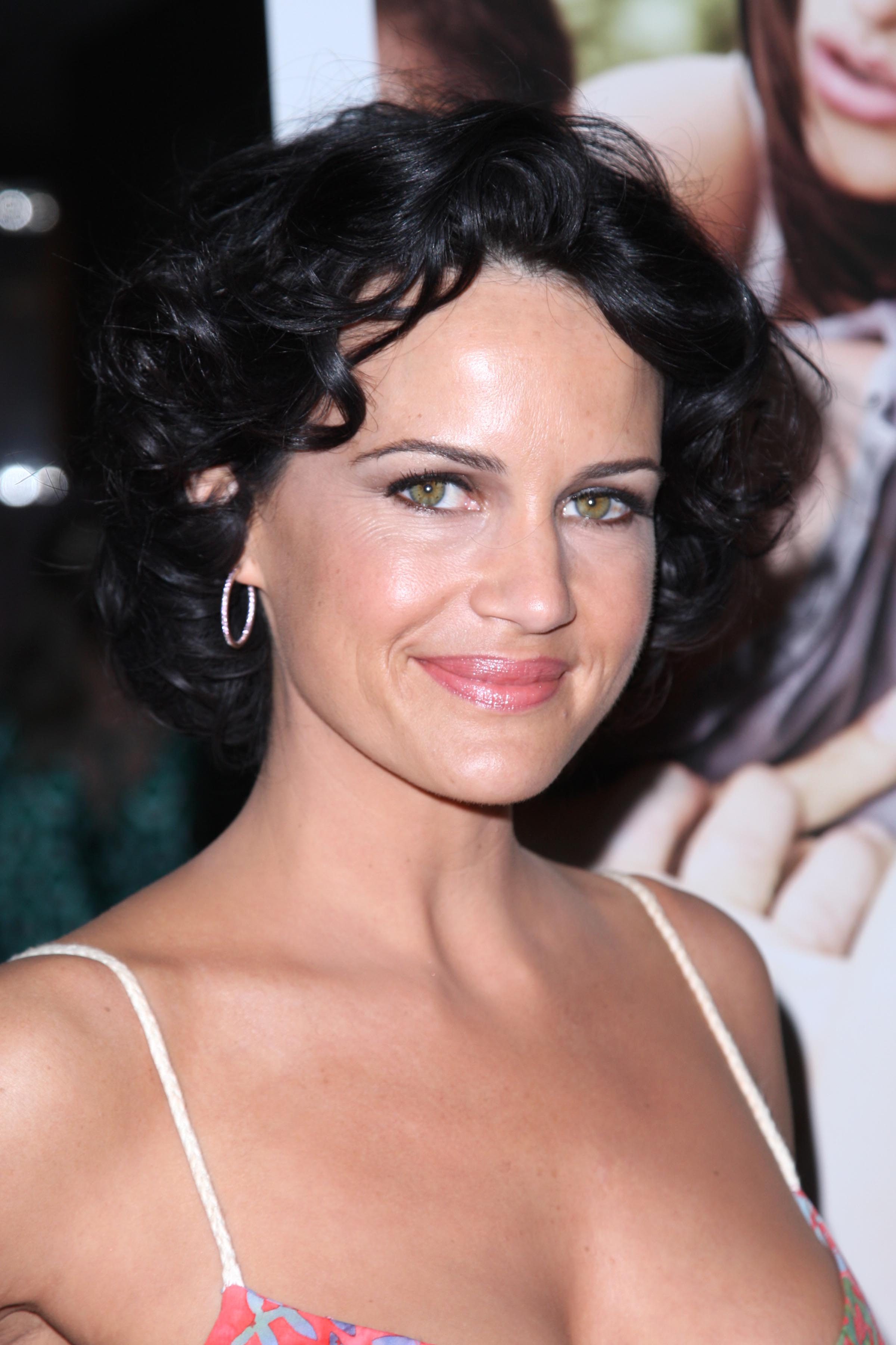 HD Quality Wallpaper   Collection: Celebrity, 2400x3600 Carla Gugino