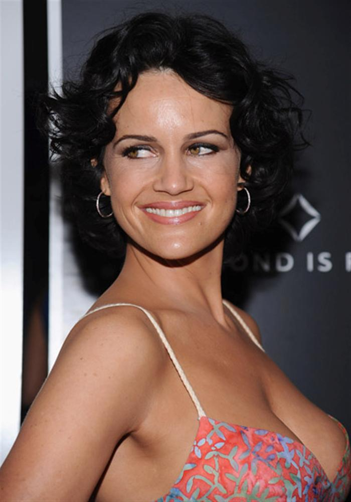Images of Carla Gugino | 700x1000