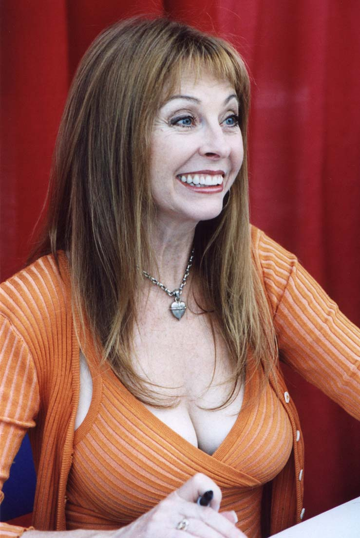 HD Quality Wallpaper | Collection: Celebrity, 739x1105 Cassandra Peterson