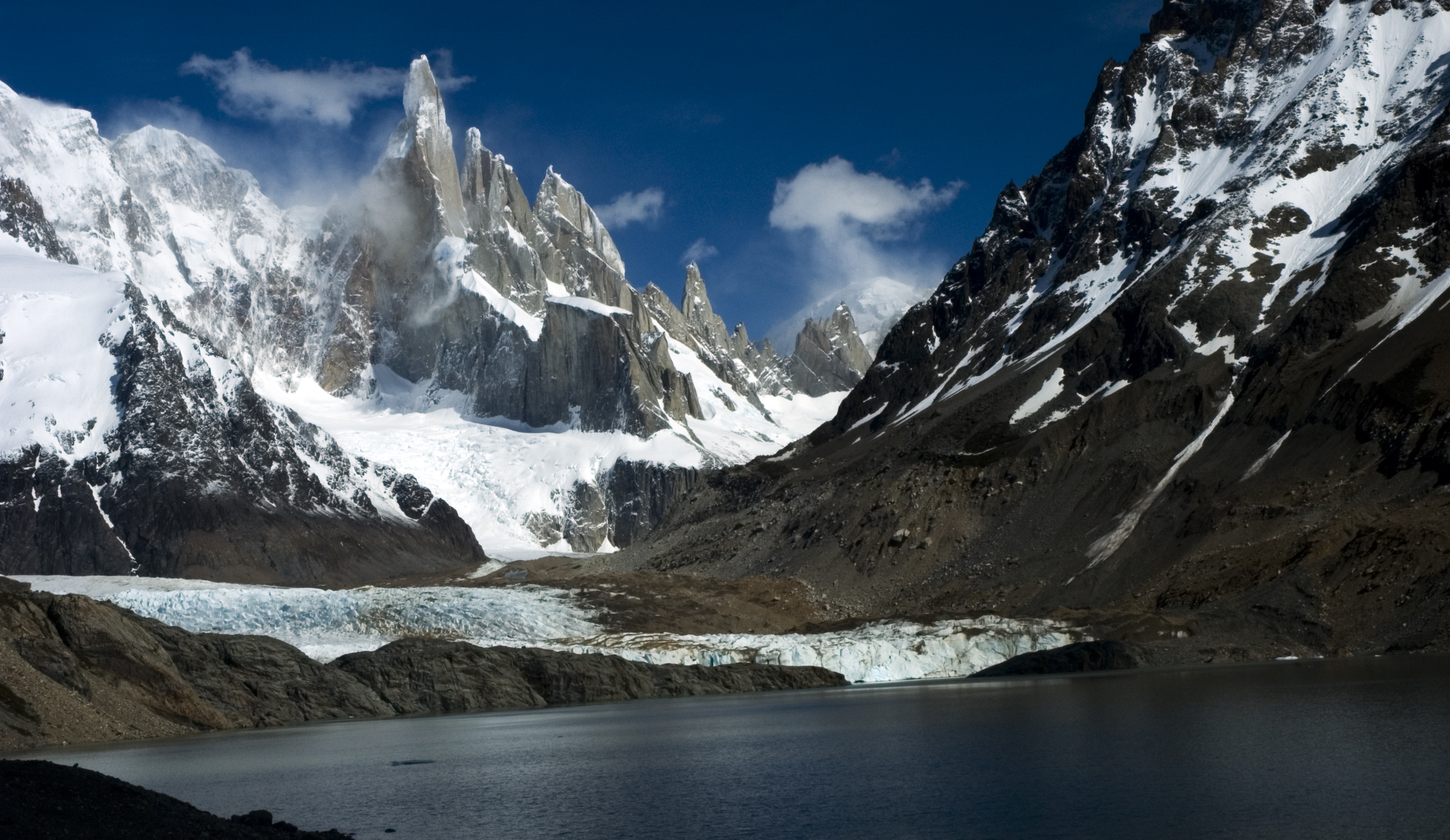 3008x1743 > Cerro Torre Wallpapers