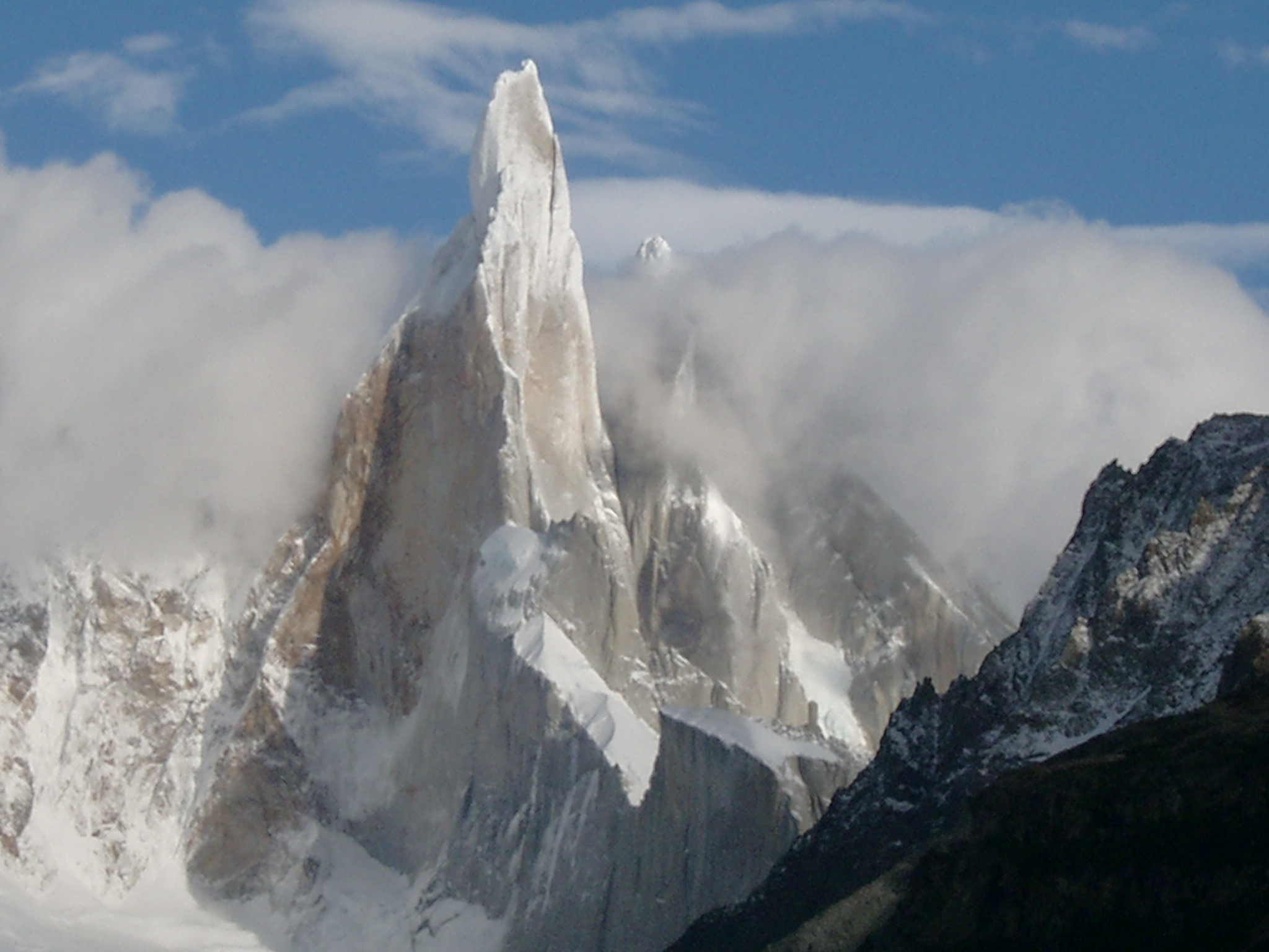 2048x1536 > Cerro Torre Wallpapers